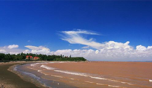 Vẻ đẹp hoang sơ của khu du lịch biển Quan Lạn
