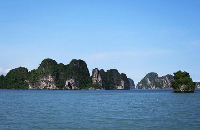 Vịnh Bái Tử Long mang vẻ đẹp tinh khôi